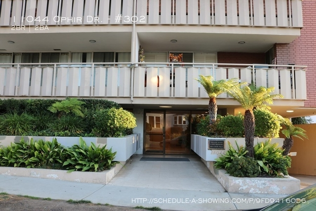 2 Bedrooms, Westwood North Village Rental in Los Angeles, CA for $3,750 - Photo 2