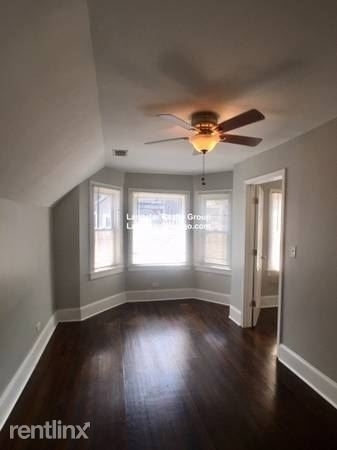 3 Bedrooms, Roscoe Village Rental in Chicago, IL for $1,800 - Photo 1