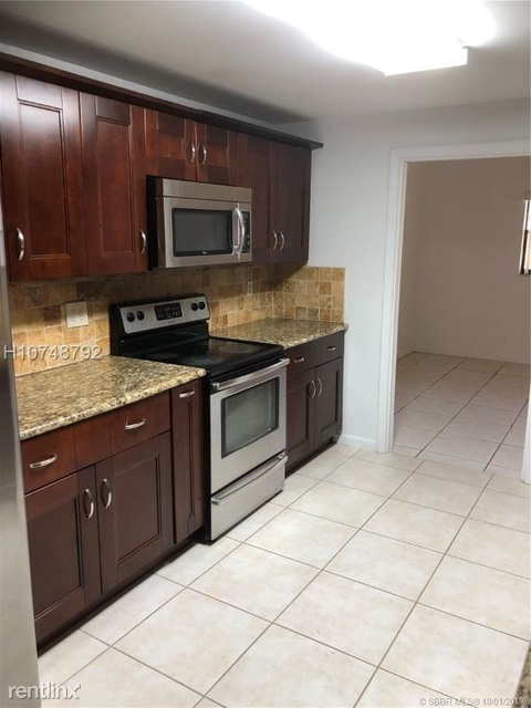 3 Bedrooms, University Village East Rental in Miami, FL for $2,100 - Photo 1