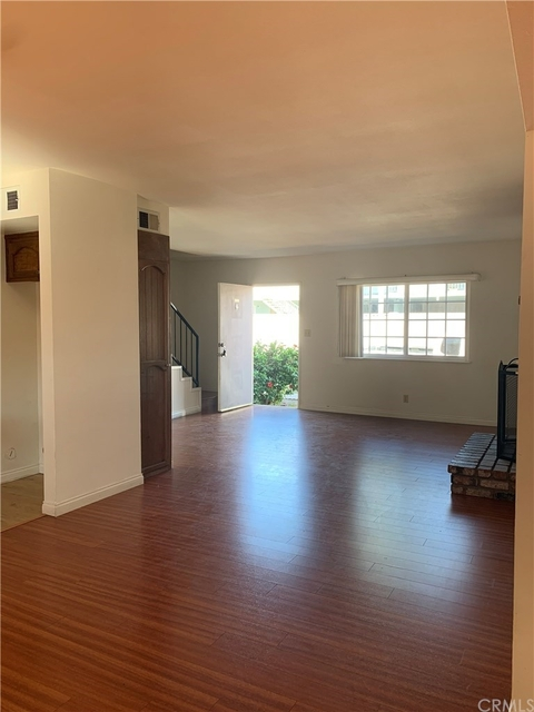 3 Bedrooms, Delthome Rental in Los Angeles, CA for $3,500 - Photo 2