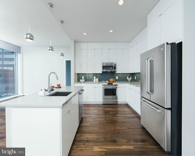 2 Bedrooms, Center City West Rental in Philadelphia, PA for $5,125 - Photo 2