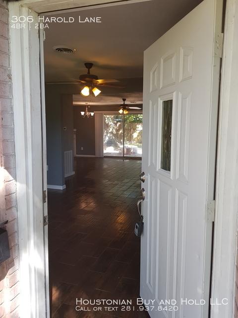 4 Bedrooms, Glen Arbor Rental in Houston for $1,495 - Photo 1