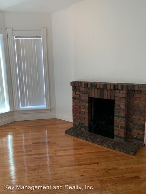 2 Bedrooms, Greektown Rental in Chicago, IL for $1,675 - Photo 2