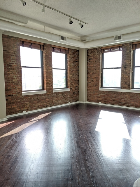 3 Bedrooms, Greektown Rental in Chicago, IL for $3,750 - Photo 2