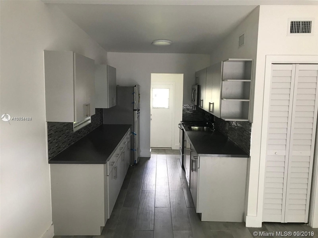 2 Bedrooms, Kenwood Rental in Miami, FL for $1,600 - Photo 2