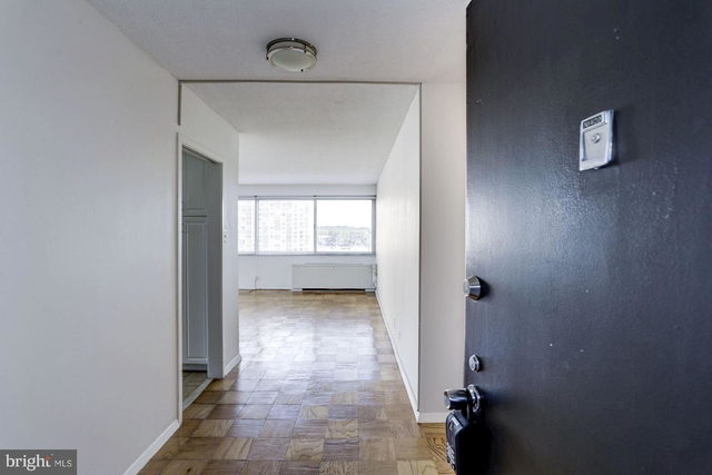 2 Bedrooms, Friendship Heights Village Rental in Washington, DC for $2,800 - Photo 2