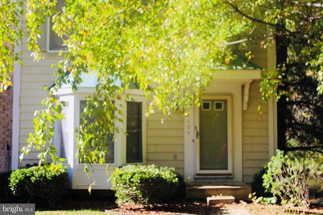 3 Bedrooms, Marlton Rental in Washington, DC for $2,200 - Photo 2