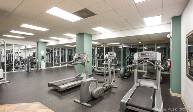 2 Bedrooms, Seaport Rental in Miami, FL for $2,450 - Photo 2