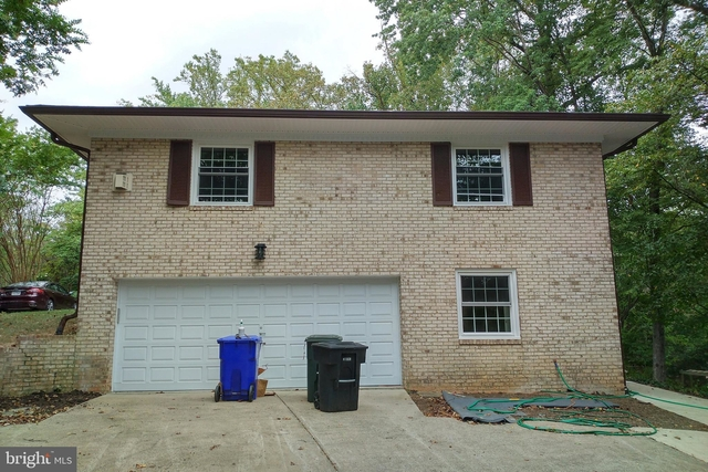 5 Bedrooms, Chain Bridge Forest Rental in Washington, DC for $5,000 - Photo 2