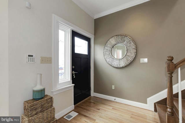 2 Bedrooms, Pleasant Plains Rental in Washington, DC for $2,999 - Photo 2