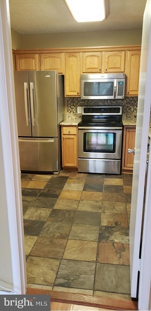 2 Bedrooms, Olympus Condominiums Rental in Washington, DC for $1,850 - Photo 2
