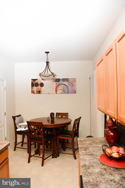 3 Bedrooms, St. Charles Rental in Washington, DC for $1,900 - Photo 2