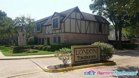 2 Bedrooms, London Townhome Rental in Houston for $1,675 - Photo 1