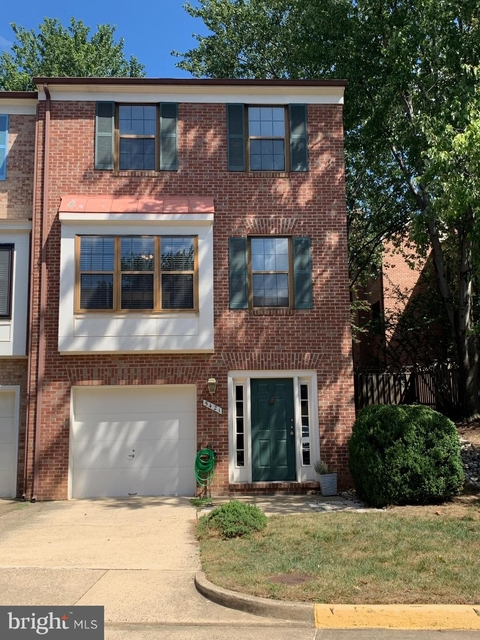2 Bedrooms, Hollandtowne at Brookville Rental in Washington, DC for $2,600 - Photo 1