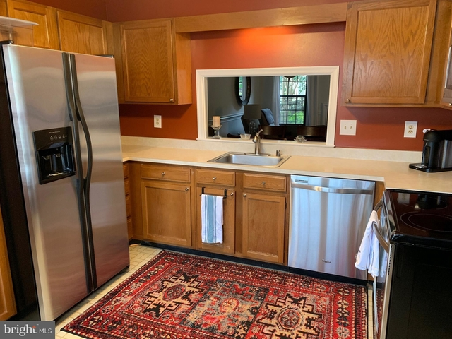 2 Bedrooms, Hollandtowne at Brookville Rental in Washington, DC for $2,600 - Photo 2