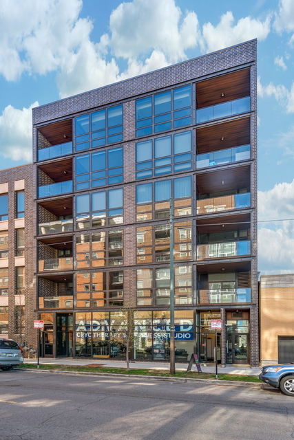 3 Bedrooms, Goose Island Rental in Chicago, IL for $4,900 - Photo 2