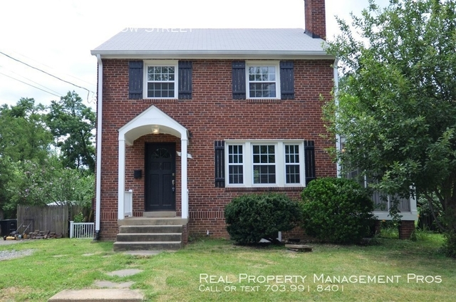 3 Bedrooms, Bluemont Rental in Washington, DC for $2,950 - Photo 1