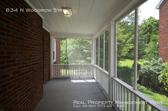 3 Bedrooms, Bluemont Rental in Washington, DC for $2,950 - Photo 2