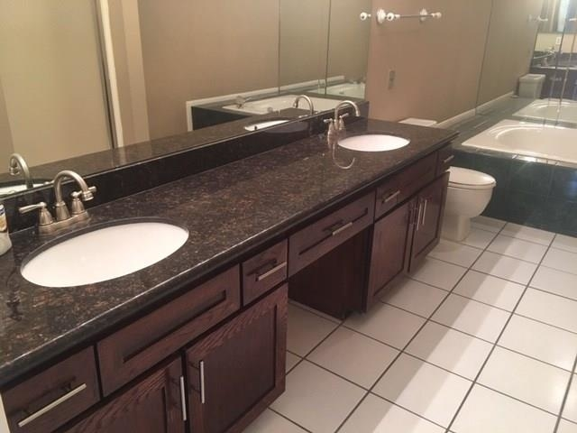 2 Bedrooms, Holly Hall Townhome Condominiums Rental in Houston for $1,800 - Photo 2