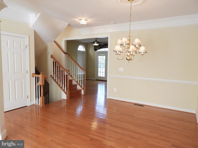 3 Bedrooms, Newington Rental in Washington, DC for $2,900 - Photo 2