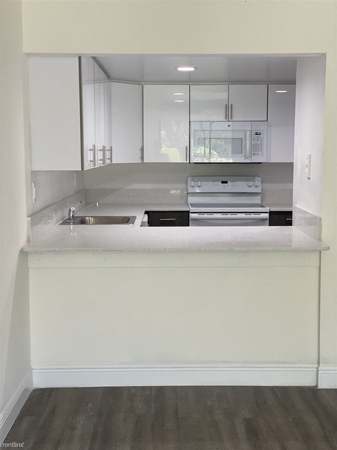 1 Bedroom, Royalton on The Green Rental in Miami, FL for $1,350 - Photo 2