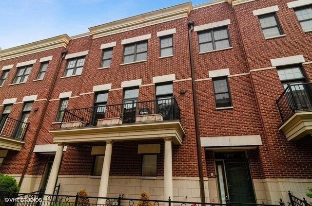 3 Bedrooms, Prairie District Rental in Chicago, IL for $3,500 - Photo 1