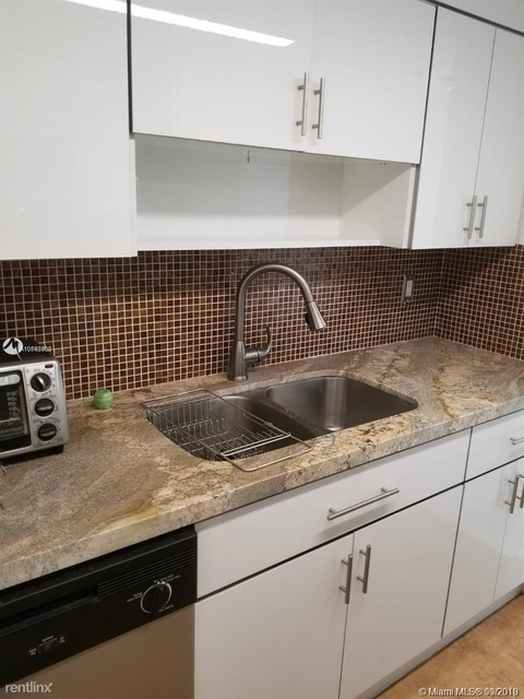 2 Bedrooms, Country Club Rental in Miami, FL for $1,600 - Photo 1
