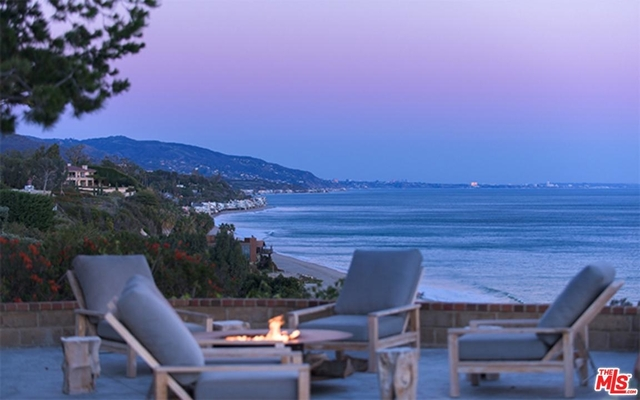 4 Bedrooms, Central Malibu Rental in Los Angeles, CA for $50,000 - Photo 2