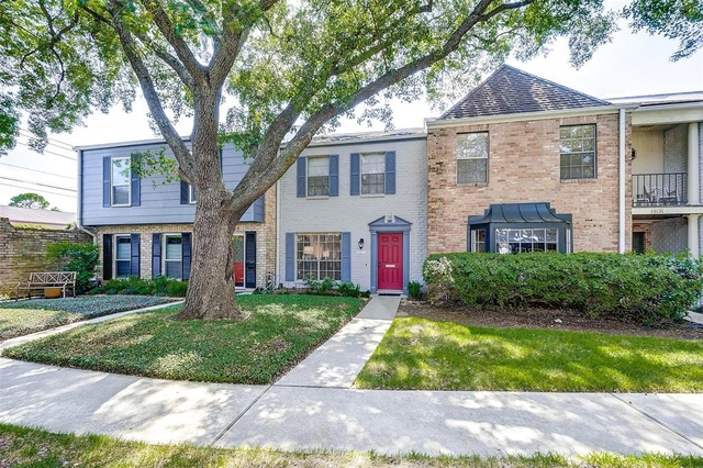 2 Bedrooms, Memorial Club Townhome Rental in Houston for $1,600 - Photo 2
