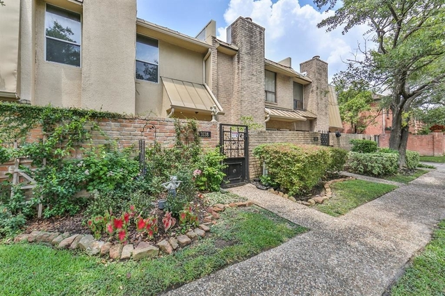2 Bedrooms, West University Place Rental in Houston for $2,700 - Photo 2