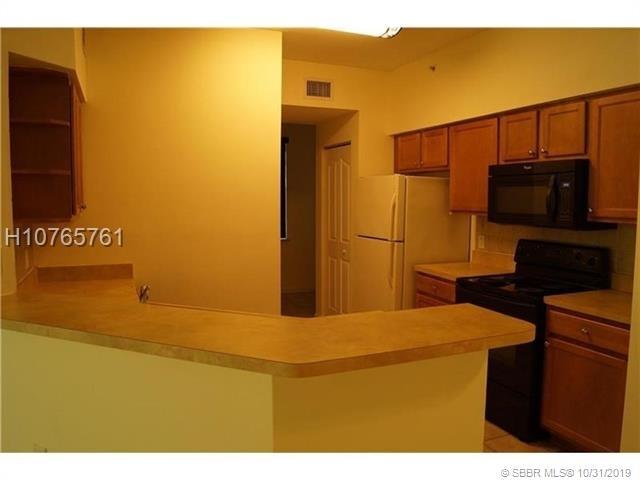 2 Bedrooms, Mezzano Condominiums Rental in Miami, FL for $1,420 - Photo 2