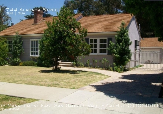 3 Bedrooms, Country Club Rental in Los Angeles, CA for $3,700 - Photo 1