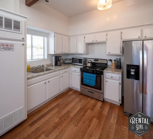 2 Bedrooms, Oakwood Rental in Los Angeles, CA for $3,850 - Photo 2