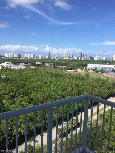 2 Bedrooms, Biscayne Landing Rental in Miami, FL for $2,300 - Photo 2