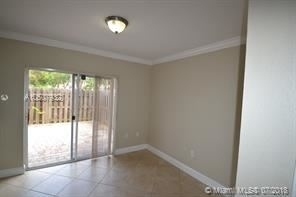 2 Bedrooms, Golf Course Towers Rental in Miami, FL for $1,650 - Photo 2