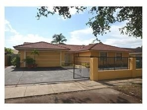 4 Bedrooms, Golf Course Towers Rental in Miami, FL for $2,500 - Photo 1