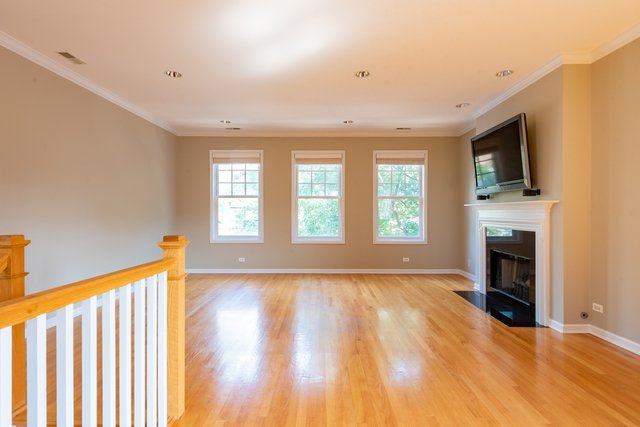 2 Bedrooms, Wrightwood Rental in Chicago, IL for $3,500 - Photo 2
