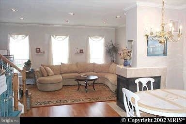 3 Bedrooms, Gaithersburg Rental in Washington, DC for $2,550 - Photo 2