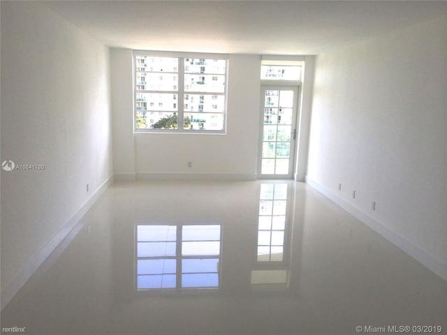 3 Bedrooms, Golden Shores Ocean Boulevard Estates Rental in Miami, FL for $2,690 - Photo 2