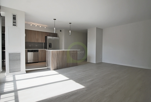 Studio, University Village - Little Italy Rental in Chicago, IL for $1,700 - Photo 2