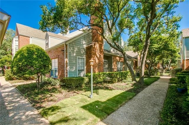 2 Bedrooms, Georgetown on Hillcrest Rental in Dallas for $1,975 - Photo 2