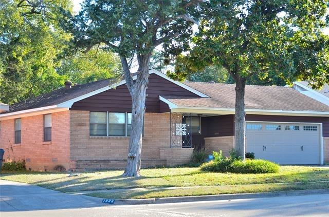 3 Bedrooms, Club Oaks Rental in Dallas for $1,400 - Photo 2