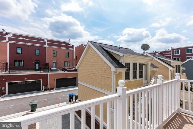 3 Bedrooms, Potomac Yard - Potomac Greens Rental in Washington, DC for $3,600 - Photo 2
