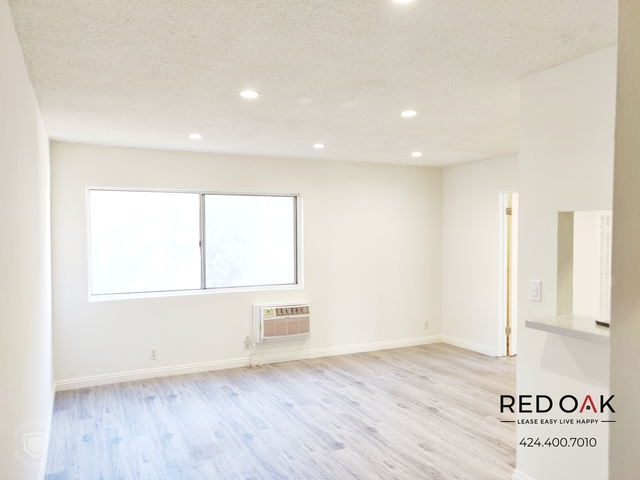 1 Bedroom, Hollywood United Rental in Los Angeles, CA for $1,750 - Photo 2