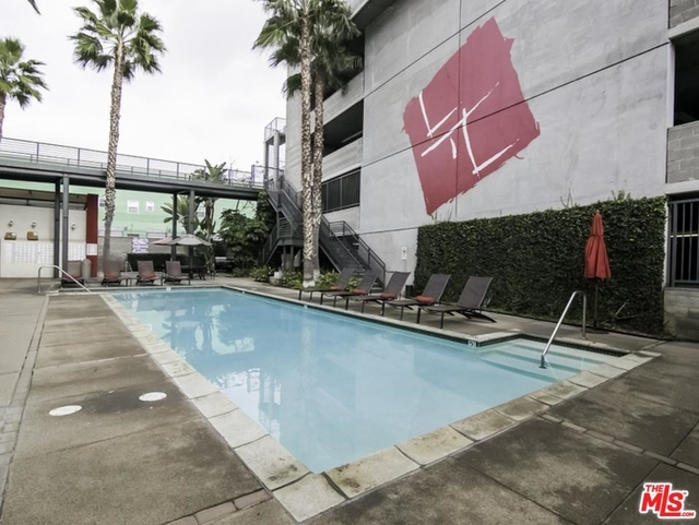 1 Bedroom, Central City East Rental in Los Angeles, CA for $2,500 - Photo 2