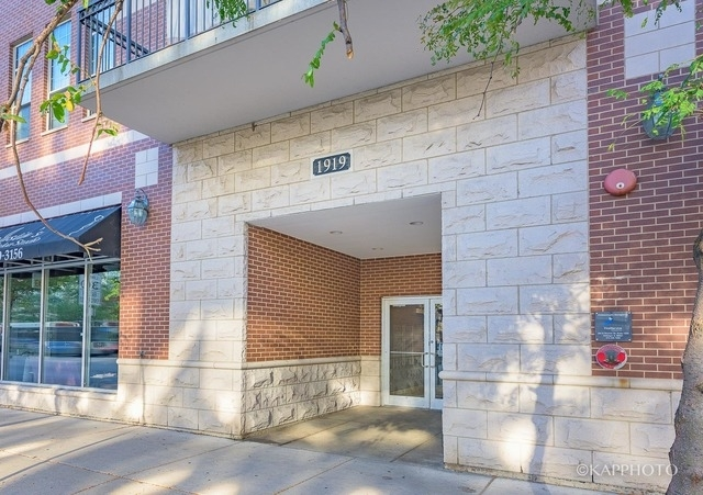 2 Bedrooms, Prairie District Rental in Chicago, IL for $2,500 - Photo 2