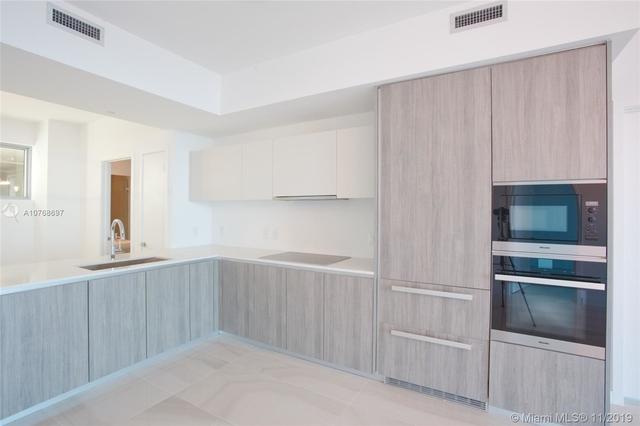 2 Bedrooms, Broadmoor Plaza Rental in Miami, FL for $4,000 - Photo 2
