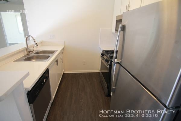 2 Bedrooms, Rampart Village Rental in Los Angeles, CA for $2,295 - Photo 2