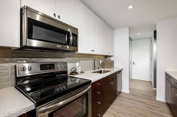 2 Bedrooms, Hyde Park Rental in Chicago, IL for $1,395 - Photo 1