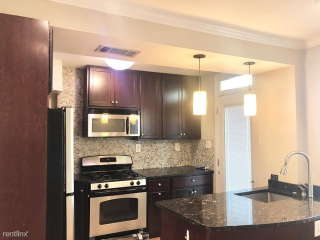 3 Bedrooms, Lynhaven Rental in Washington, DC for $2,500 - Photo 2